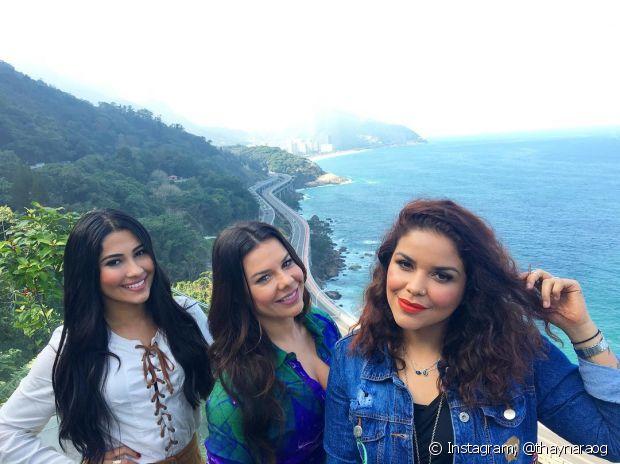 O trio dinâmico e batedor de cabelo: Thaynara OG, Fernanda de Souza e Ju de Paulla, todas usando Brilho&Ton nos fios!