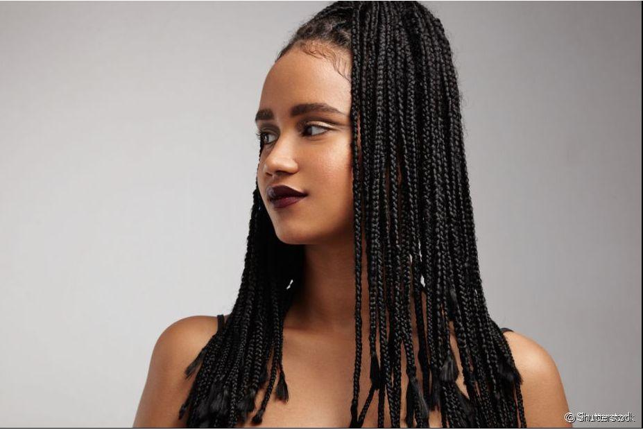 Para um cabelo com trança mais bonito ainda, aposte no penteado preso no alto da cabeça