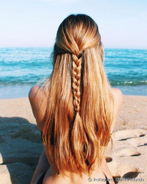 Os penteados com trabça também podem ser semipreso. Ficam muito românticos (Foto Instagram: @alaisredondo)