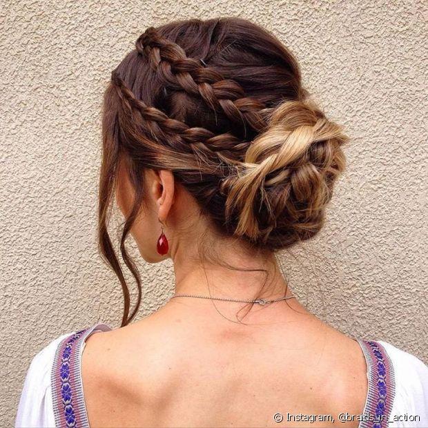 A junção do coque trançado com as tranças na raiz do cabelo deixou o look super charmoso - @braids_in_action