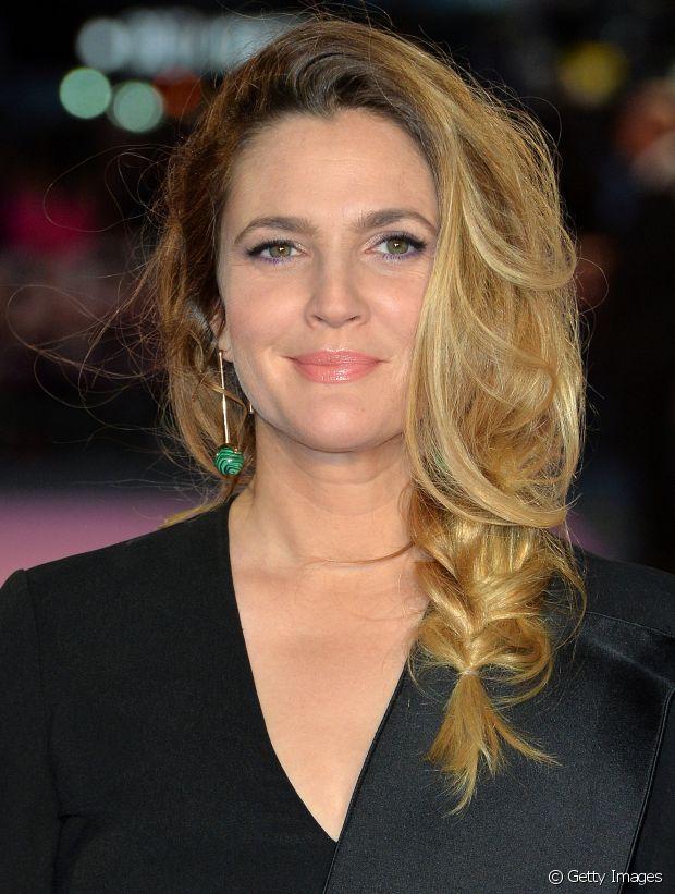 A trança frouxinha de Drew Barrymore fez sucesso entre as famosas