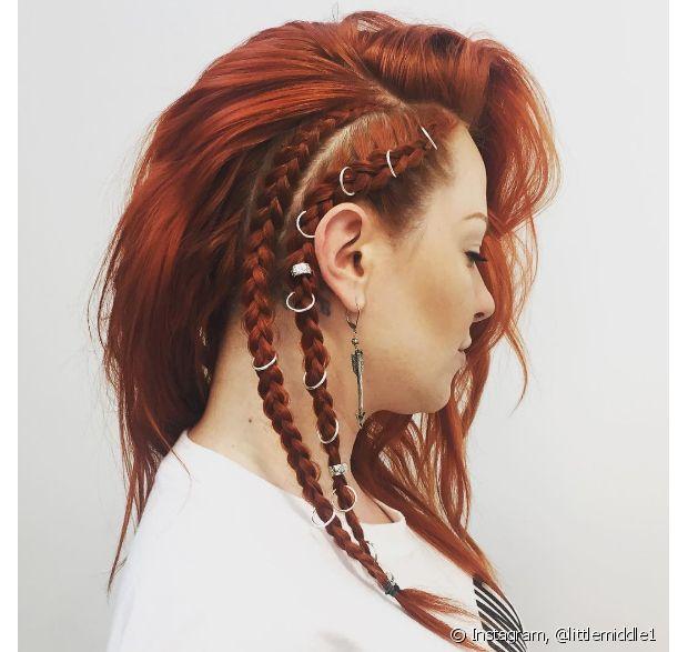 Mais uma vez, os anéis de cabelo aparecem entre os preferidos quando o penteado é um falso sidecut - @littlemiddle1