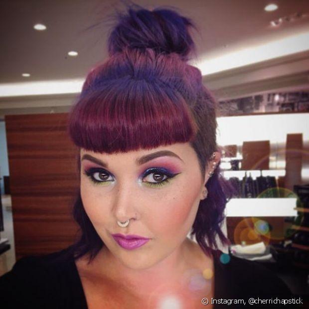 Half bun pode ser feito em cabelos de todos os comprimentos, exceto o pixie, é claro! - @cherrichapstick