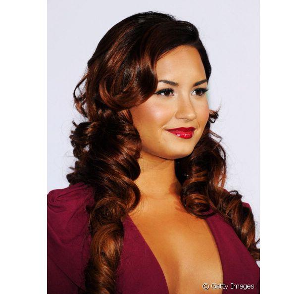 A cantora Demi Lovato já passou por todas as cores de cabelo possíveis, e claro que o ruivo não poderia ficar de fora dessa