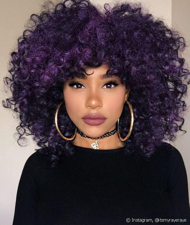 Considerado um cor fantasia, o ruivo violeta faz sucesso entre as mulheres