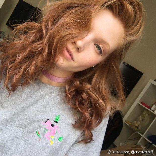 Use tonalizantes de acordo com a sua cor de cabelo para evitar que seu ruivo fique manchado