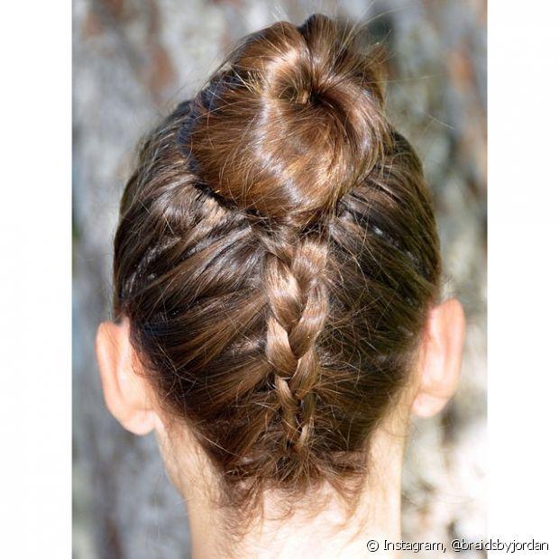 Esse estilo de penteado pode ser usado para qualquer ocasião, desde uma festa formal até para ir trabalhar
