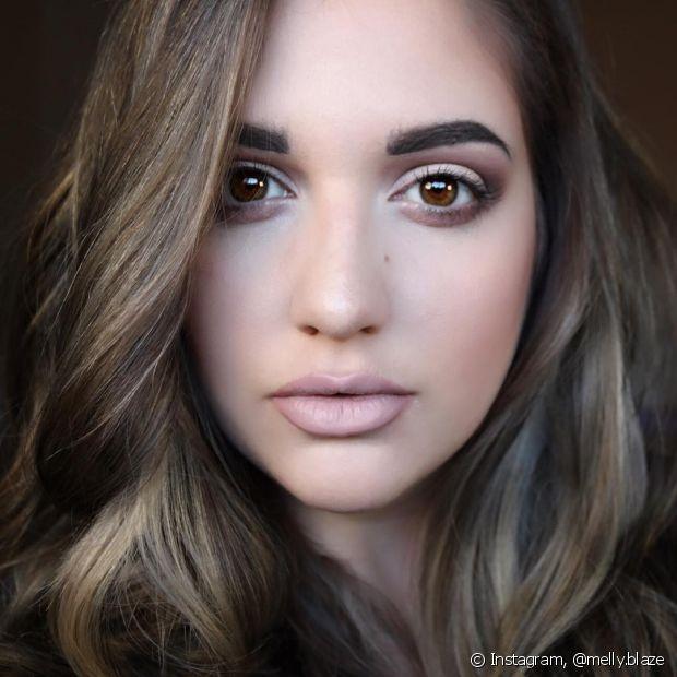 Ao se maquiar, você pode usar aquilo que gostar mais, mas é inegável que alguns produtos funcionam melhor de acordo com o tipo de pele
