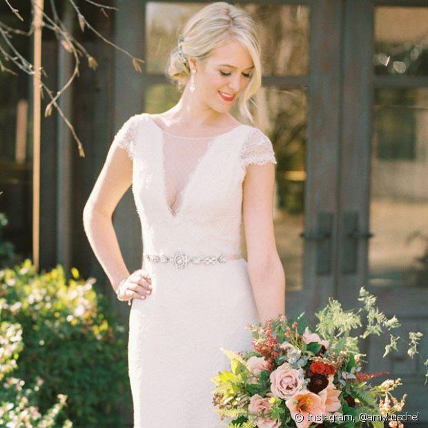 As noivas loiras podem investir em penteados simples e bonitos para o dia do casamento