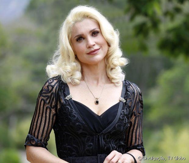 Flávia Alessandra exibe cabelos platinados na nova novela das seis 'Êta Mundo Bom!', da TV Globo