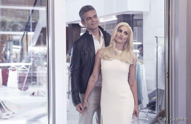 Flávia Alessandra estrelou o comercial de Cor&Ton ao lado do marido, Otaviano Costa