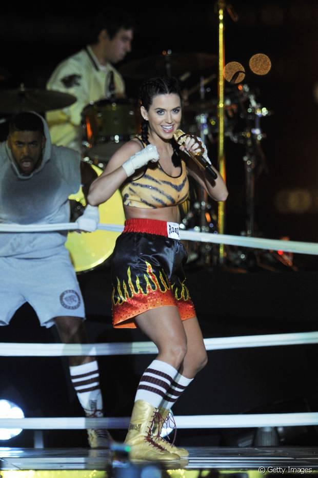 Katy Perry se apresentou no MtV Awards 2013 com a trança de boxeadora durante a performance da música 'Roar'