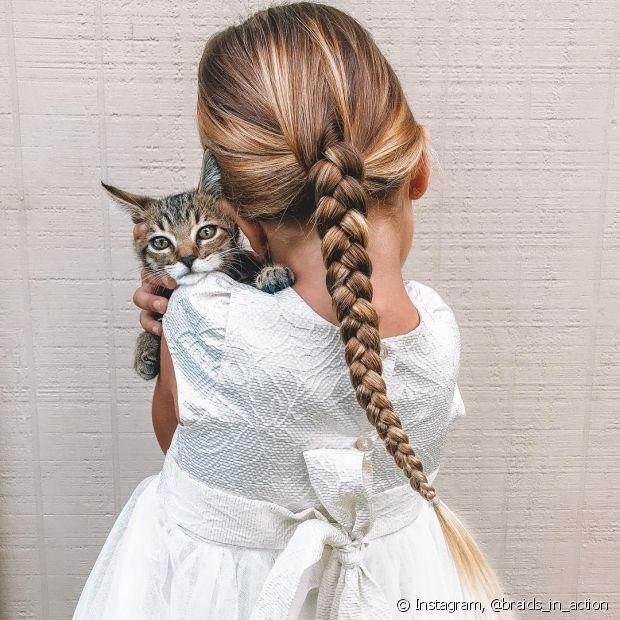 As tranças são opções simples e estilosas, principalmente para crianças com o cabelo comprido