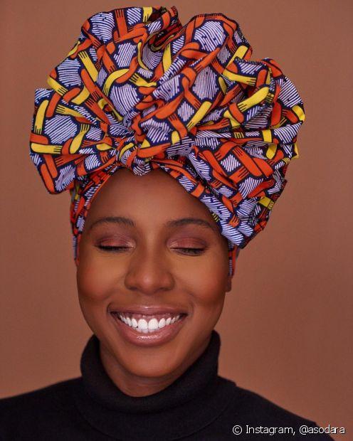 A escolha do tecido e da metragem correta do turbante faz toda diferença no resultado final da amarração