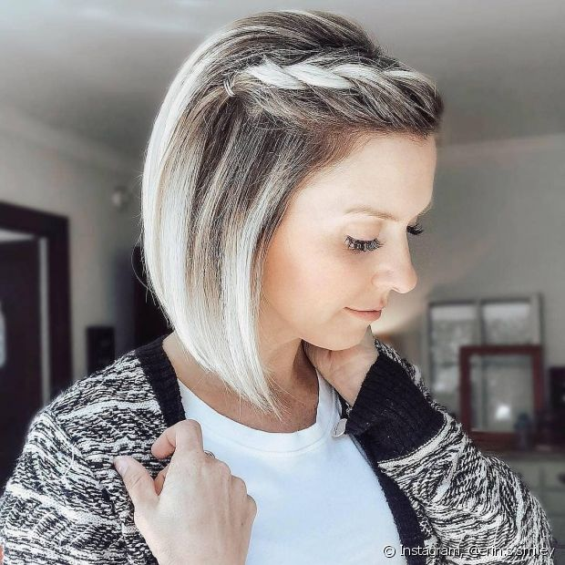 Penteados para cabelos médios ficam super românticos com trança lateral embutida (foto Instagram: @erin.s.smiley)
