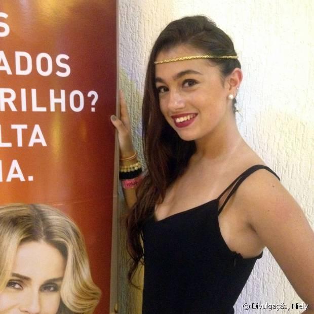 Flávia Manaut é chilena, tem 20 anos e é um das superfãs da Anitta pelo mundo afora!