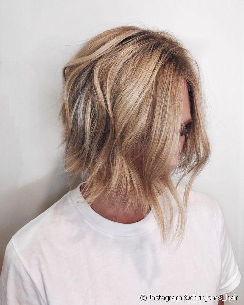 O cabelo chanel de bico com pontas repicadas ganha mais movimento e estilo. (Foto: Instagram @chrisjones_hair)