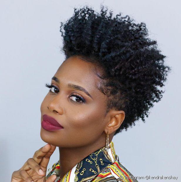 O corte pixie cut é uma ótima opção para as mulheres de cabelo crespo que estão passando pela transição capilar (Foto: Instagram @kendrakenshay)