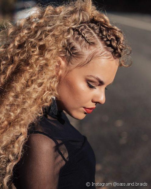 A trança unicórnio é uma versão moderna e cheia de estilo para cabelos loiros (Foto: Instagram @sass.and.braids)