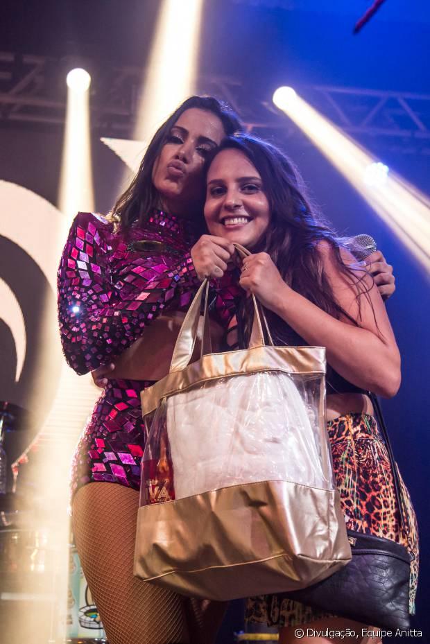 Aline Paschoalini foi a escolhida para dançar 'Bang' ao lado de Anitta