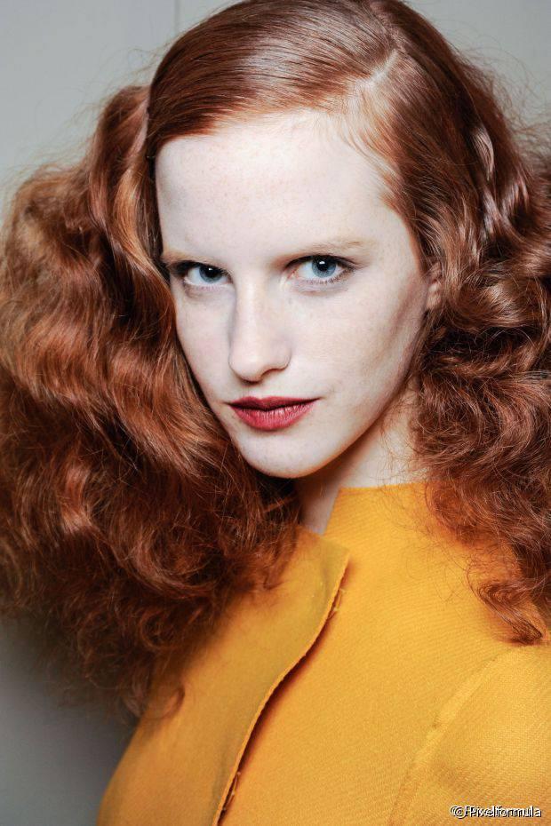 Um dos maiores benefícios de colorir o cabelo com tonalizante é que ele não causa danos às madeixas, diferente da coloração tradicional
