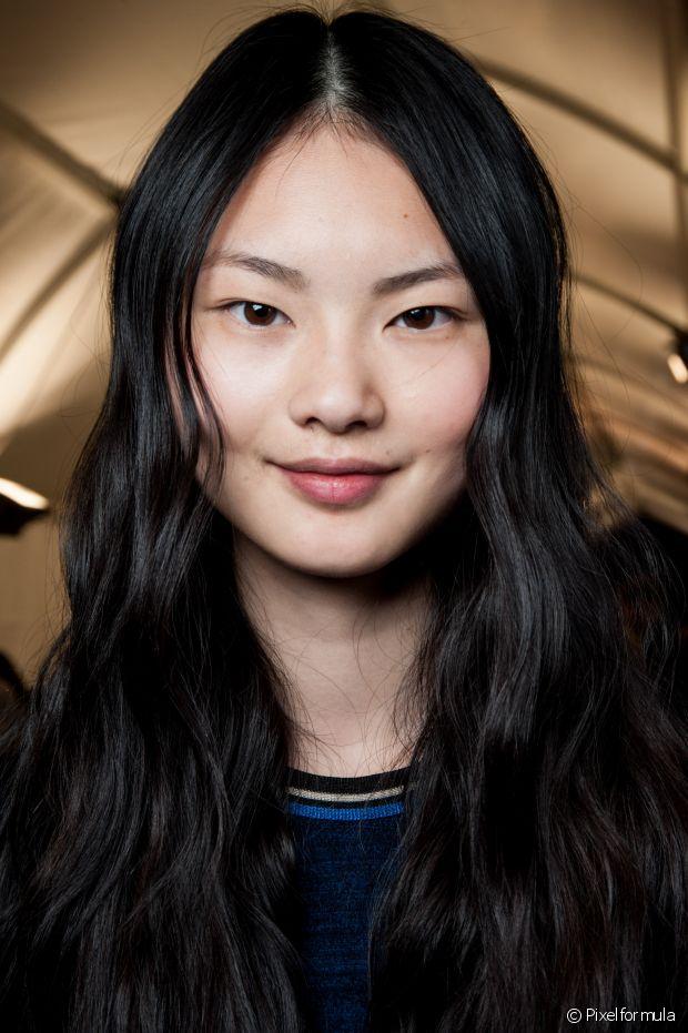 Na Ásia, por exemplo, a água de arroz é utilizada há muitos séculos como tratamento natural para o cabelo e a pele