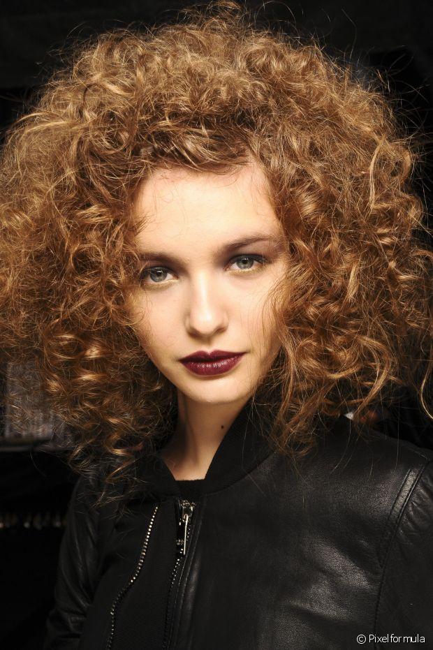 A umectação ca´pilar também protege os cabelos do sulfato do shampoo