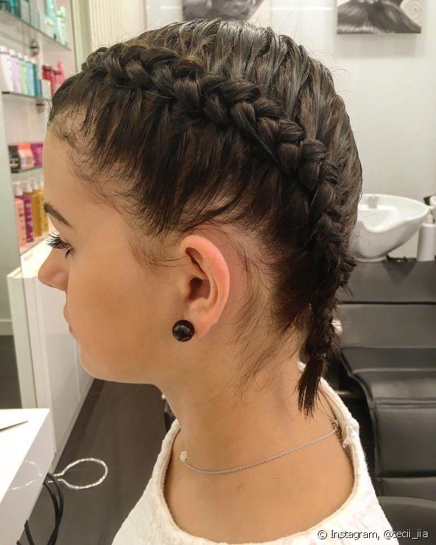 Os cabelos curtinhos são ótimos para o dia a dia, né? Mas fazer um trançado estiloso faz toda a diferença para o look!