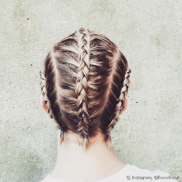 Essa versão de três mechas dá para fazer com os cabelos que são mais curtinhos e fica super estiloso