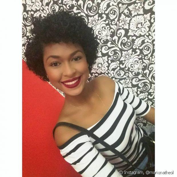 Marina Theol, Miss Rondônia 2016, tem 19 anos e passou pela transição capilar para assumir seus cachos