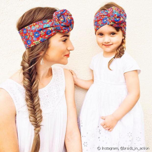 Sua filha Amaya, de 3 anos, já posa combinando penteados com a mãe para cliques da página! Olha só que fofura essas duas!