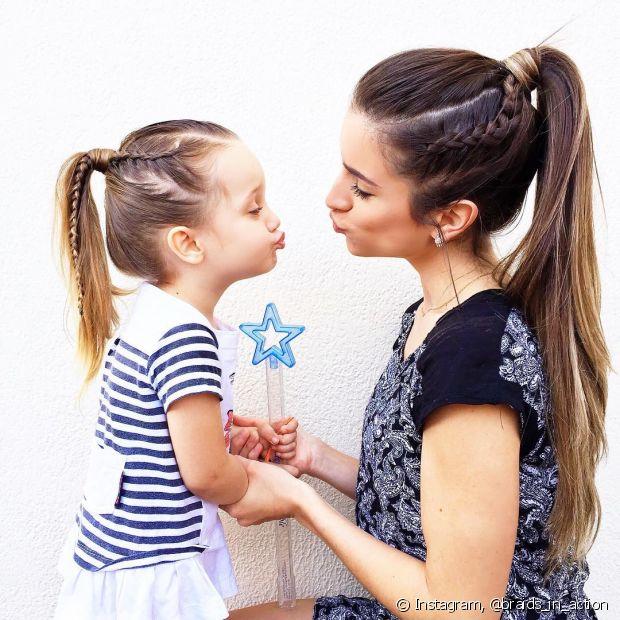 A hair artist conta que a filha, apesar de não gostar de tranças o tempo todo, ama copiar os penteados da mamãe!
