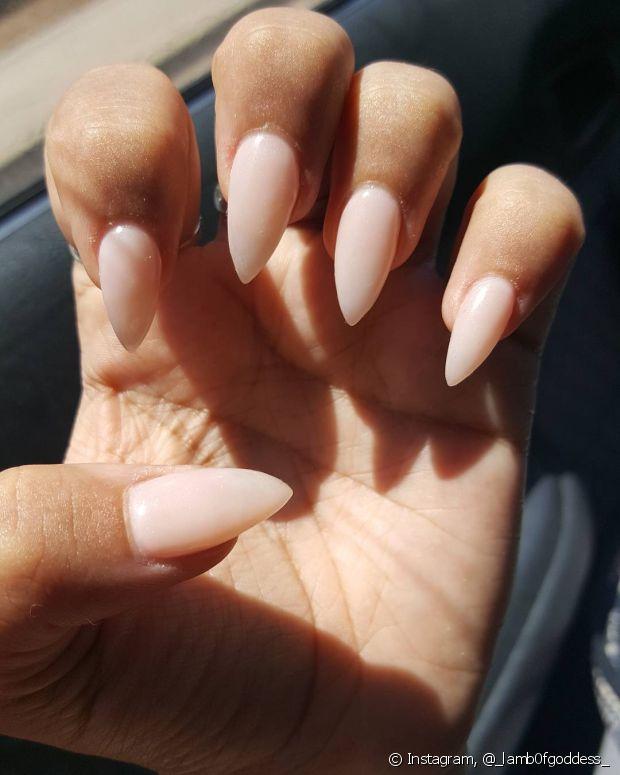 Só tem um porém: as unhas precisam estar saudáveis para não quebrarem com facilidade