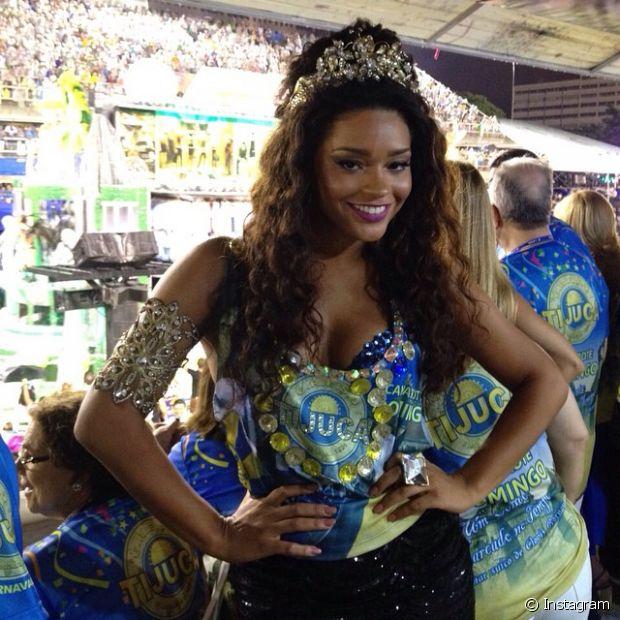 Juliana Alves foi rainha de bateria da Unidos da Tijuca em 2014 com seus cabelos longos e volumosos