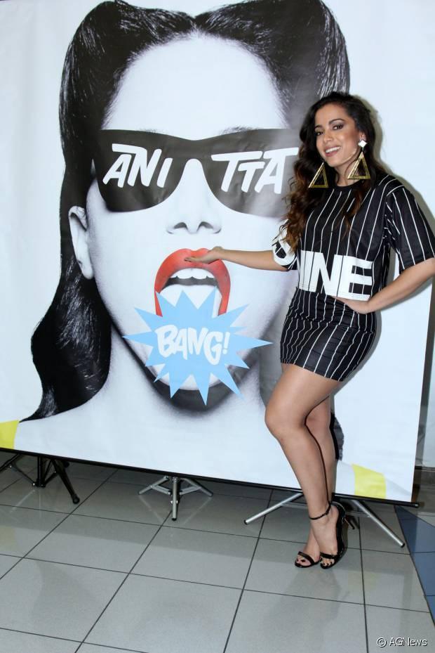 Anitta lança o clipe da música 'Bang' com exclusividade para 200 fãs no Barra Shopping, na Zona Oeste do Rio de Janeiro, em 8 de outubro de 2015