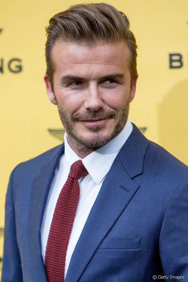 Quem também é adepto do topete texturizado e penteado para o lado é o jogador David Beckham