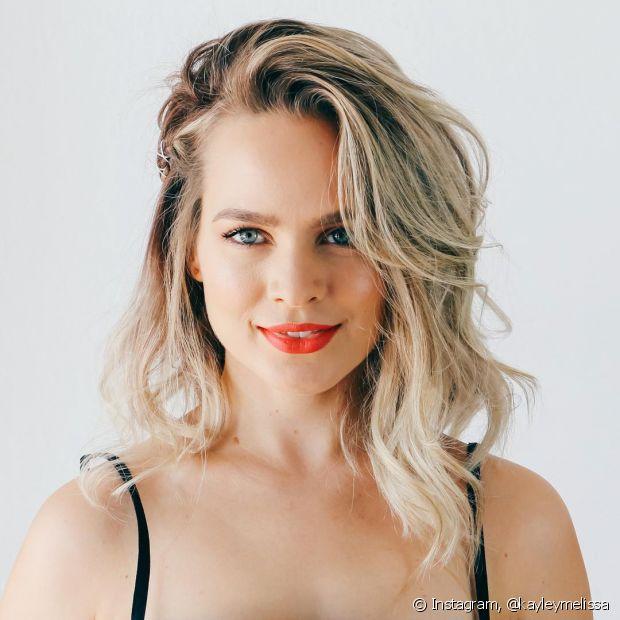 Kayley Melissa é a rainha dos penteados: tem trança, rabo de cavalo, coque, coque com trançado... O Instagram dela é mara!