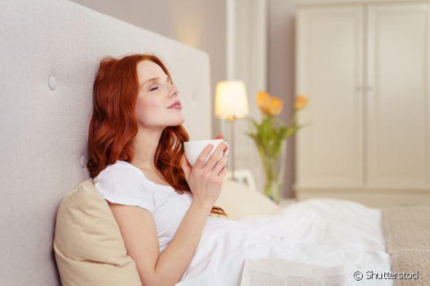 Chá morno ou frio ajuda a acalmar e deixa seu corpo relaxado