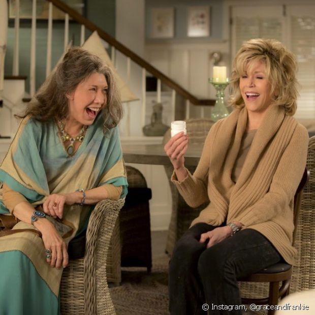 As amigas Grace e Frankie dividem a mesma casa e histórias em comum, mesmo com personalidades tão diferentes
