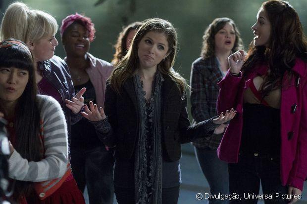 No filme 'A Escolha Perfeita', a protagonista participa de um grupo musical na faculdade
