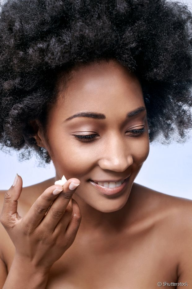 O hidratante é importante tanto para quem tem a pele seca quanto oleosa