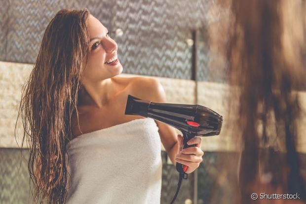 Dá para fazer um protetor térmico caseiro com o que você tem no seu banheiro