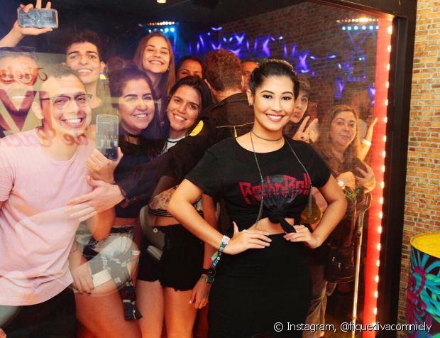 Thaynara OG animou o stand da Niely no Rock in Rio
