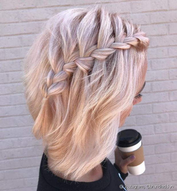 A trança cascata é linda e deixa o cabelo com bastante movimento