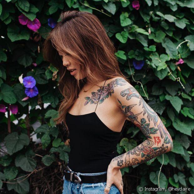 O protetor solar também é indispensável para cuidar da tatuagem