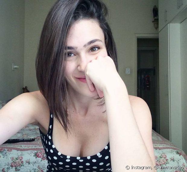 Luiza começou a alisar o cabelo com 15 anos