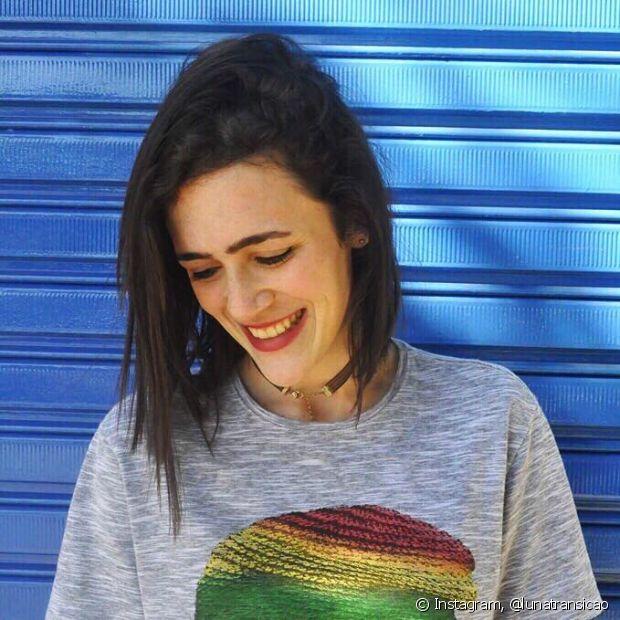 A transição capilar da Luiza incentivou uma amiga largar a química e assumir as ondas do seu cabelo