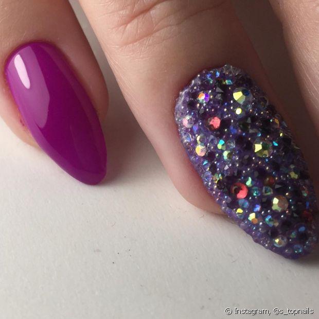 Chega de perder tempo para remover glitter das unhas!