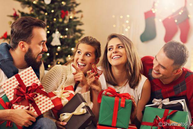 O amigo-secreto é uma brincadeira comum durante as festas de fim de ano