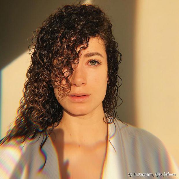 A escolha do shampoo vai de acordo com as necessidades de cada cabelo, por isso, é importante entender as funções e benefícios de cada um